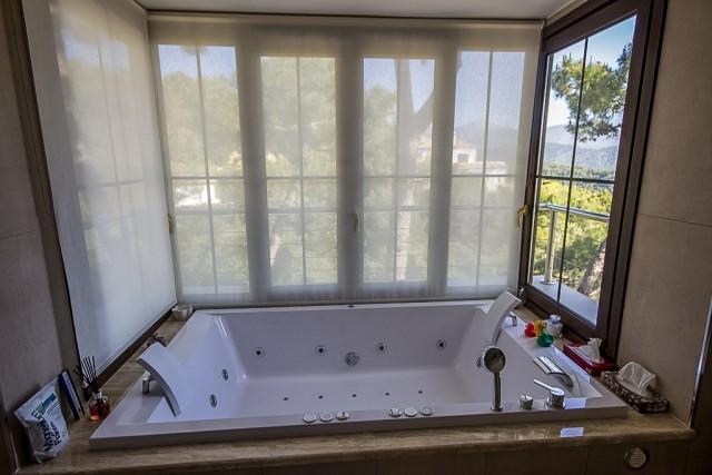 CSP-V1634_8_Bathroom  (3)