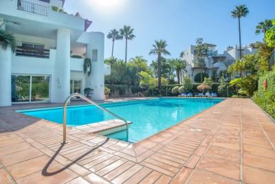 804868 - Apartment For sale in Estepona Playa, Estepona, Málaga, Spain