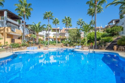 806135 - Apartment For sale in Bahía de Marbella, Marbella, Málaga, Spain