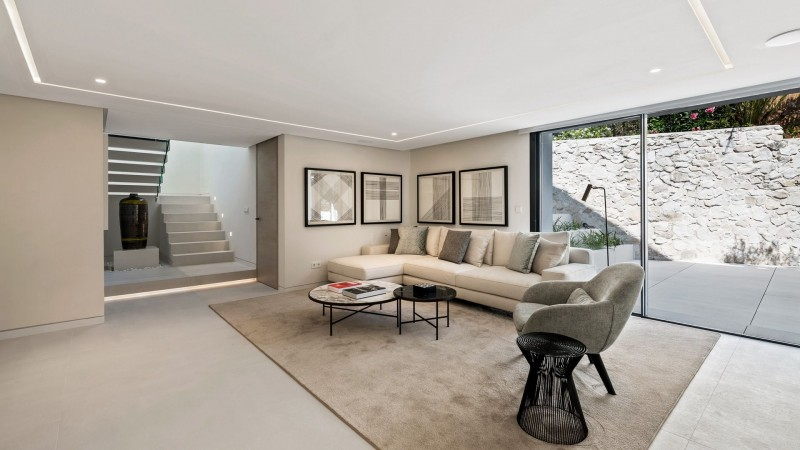 Lounge lower level