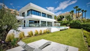 Villa for sale in La Alquería, Benahavís, Málaga, Spain