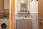 Utility room / guest toilet