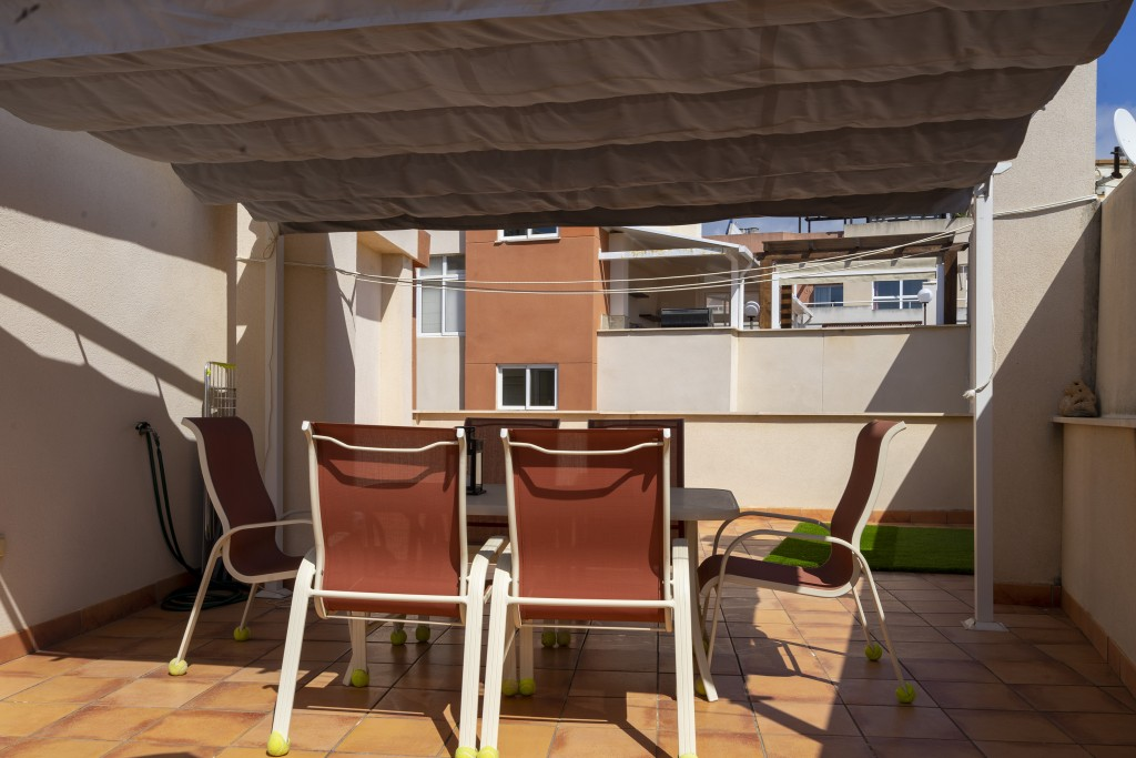Partially covered terrace
