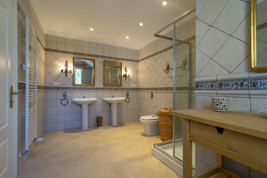 Master bathroom downstairs