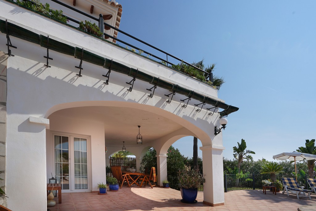 Covered terrace downstairs