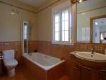 1471 bath2 (Medium)