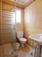 R944 bath2 (Medium)