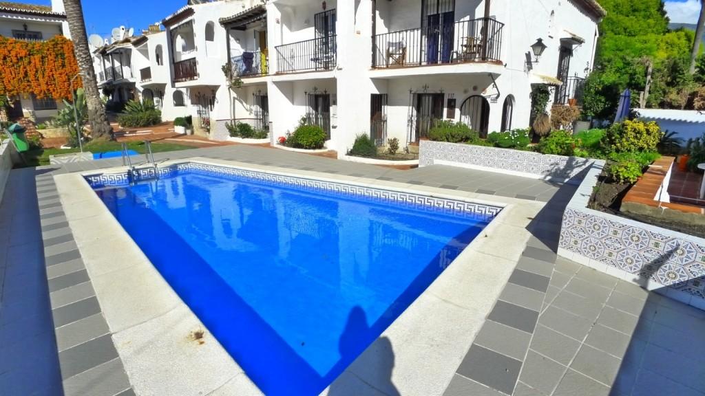 Pueblo Andaluz pool (3) (Large)