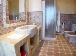 1053 bath1a (Medium)