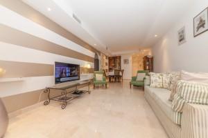 Apartment for sale in Oasis de Marbella, Marbella, Málaga, Spain
