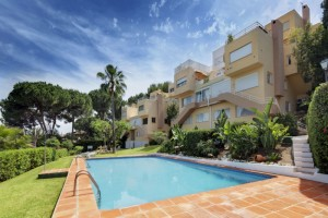 Large townhouse overlooking Las Brisas Golf Course, Nueva Andalucia