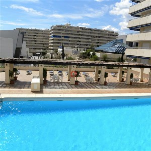 Apartment with sea and mountain views in Puerto Banus