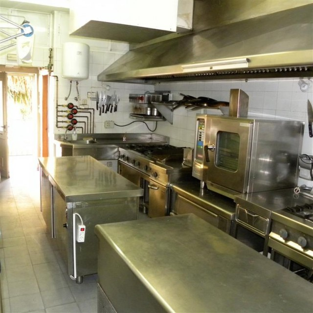 kitchen 1 (Medium)