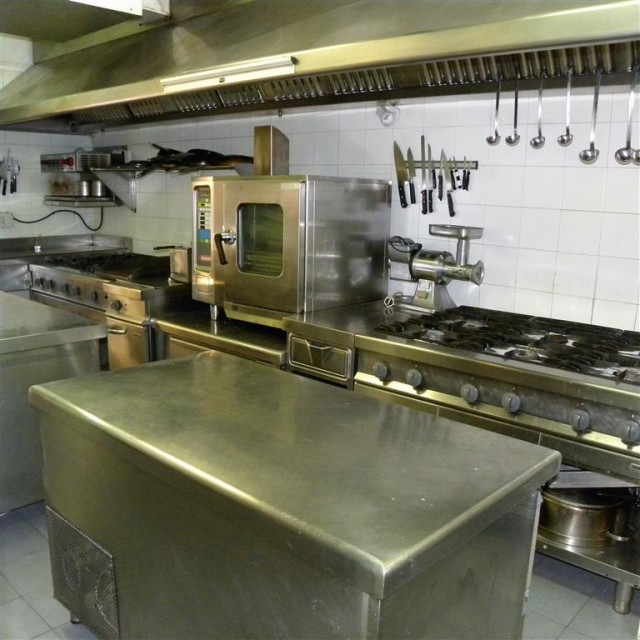 kitchen 2 (Medium)