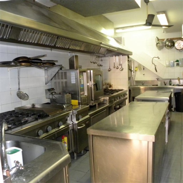 kitchen 3 (Medium)