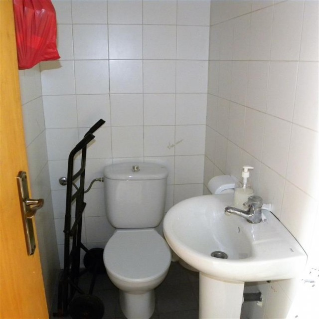 staff wc (Medium)