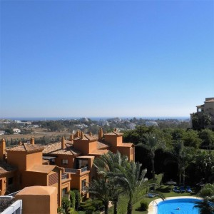Super penthouse in luxurious Benatalaya, Benahavis