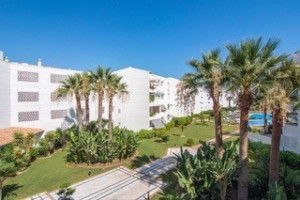 Beachfront apartments in Puerto Banus for Sale