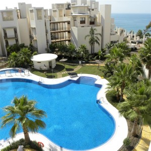 Luxurious beachfront apartment with seaviews in Estepona