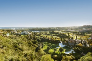 Contemporary apartments on golf course in Los Flamingos, Benahavis