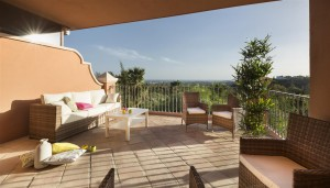 Andalusian style elegant apartments in Monte Halcones, Benahavis