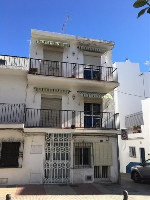 Investment opportunity in San Pedro Alcantara town center