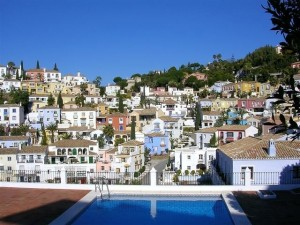 Stunning townhouse with panoramic views in La Heredia, Benahavis