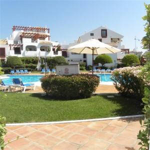 2 bed garden apartment beachside of San Pedro Alcantara