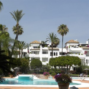 Duplex penthouse with sea views in Alcazaba Beach, Estepona