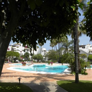 Garden apartment in Alcazaba Beach, Estepona