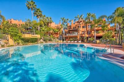 810440 - Apartment For sale in La Alzambra Hill Club, Marbella, Málaga, Spain