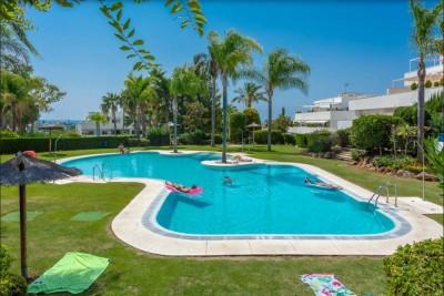 782133 - Appartement met tuin for sale in Nueva Andalucía, Marbella, Málaga, Spanje