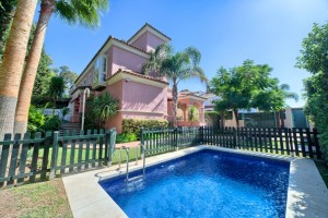 Semi detached spacious house beach side San Pedro