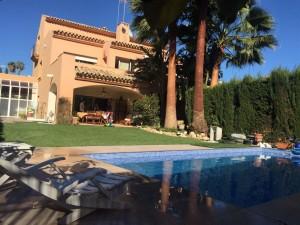 807300 - Detached Villa For sale in Atalaya, Estepona, Málaga, Spain