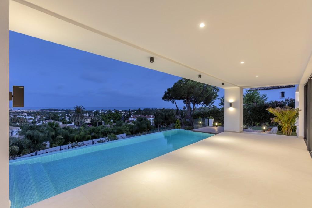 Moderni vila s bazenem
