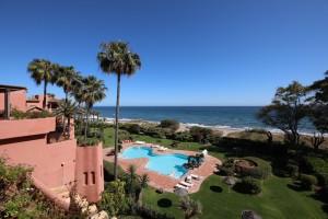 Luxury Penthouse Duplex Sprzedaż Nieruchomości w Hiszpanii in Los Monteros Playa, Marbella, Málaga, Hiszpania