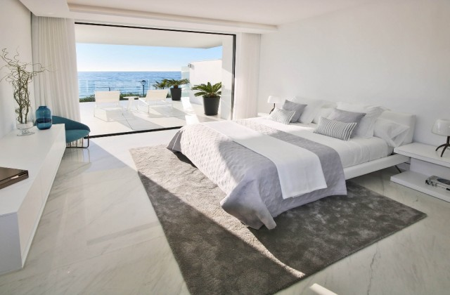 Amazing, Beachfront ´Smart´ Apartment For Sale, Beachfront location. Estepona.  (3)