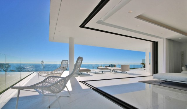 Amazing, Beachfront ´Smart´ Apartment For Sale, Beachfront location. Estepona.  (32)