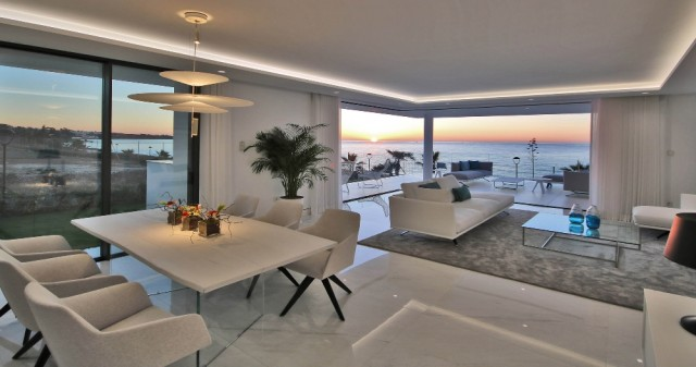 Amazing, Beachfront ´Smart´ Apartment For Sale, Beachfront location. Estepona.  (39)