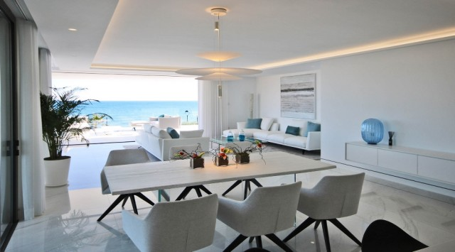 Amazing, Beachfront ´Smart´ Apartment For Sale, Beachfront location. Estepona.  (41)