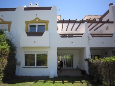 787672 - Townhouse For sale in Selwo, Estepona, Málaga, Spain