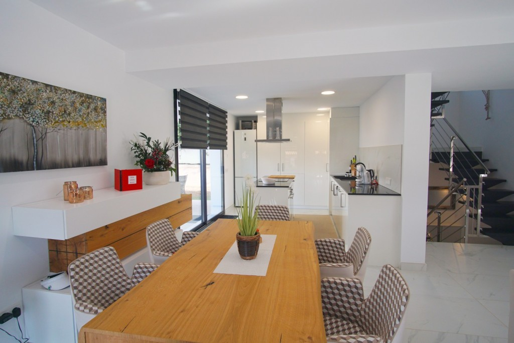 kitchen-and-diningroom