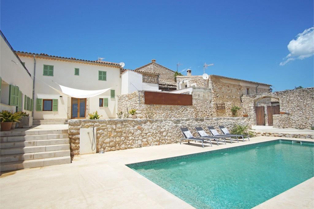 Selva townhouse pool