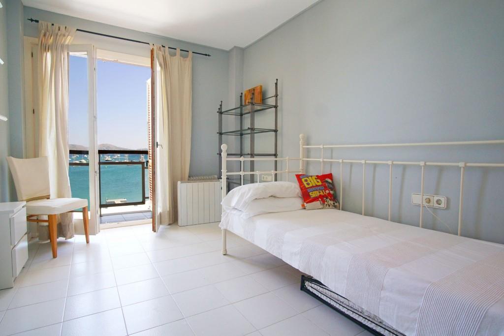 Port de Pollensa apartment bedroom
