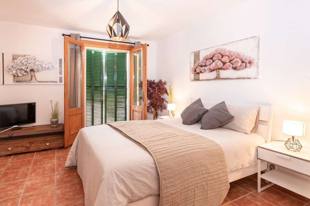 pollensa country house bedroom