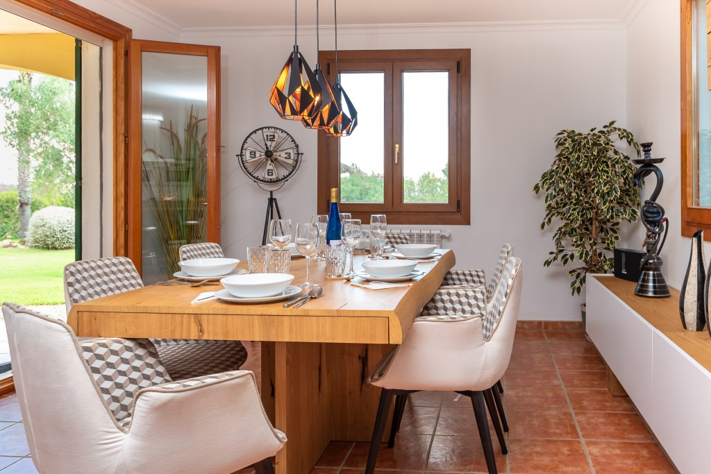 Pollensa country house dining room