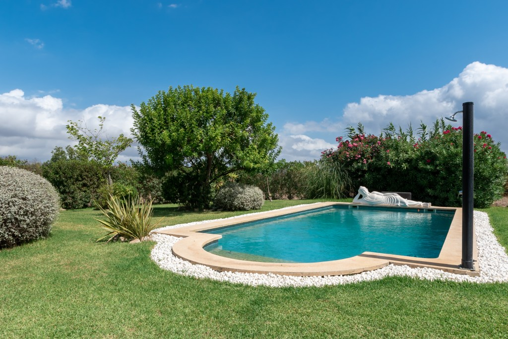 Pollensa country house pool