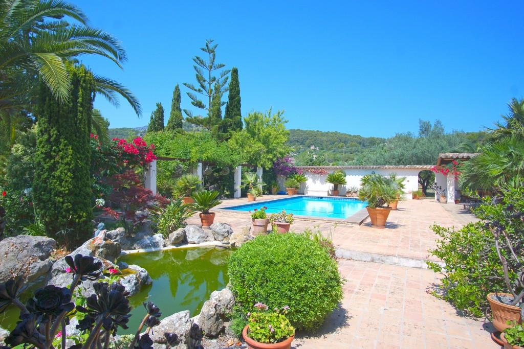 Finca with Pool Pollensa (1)