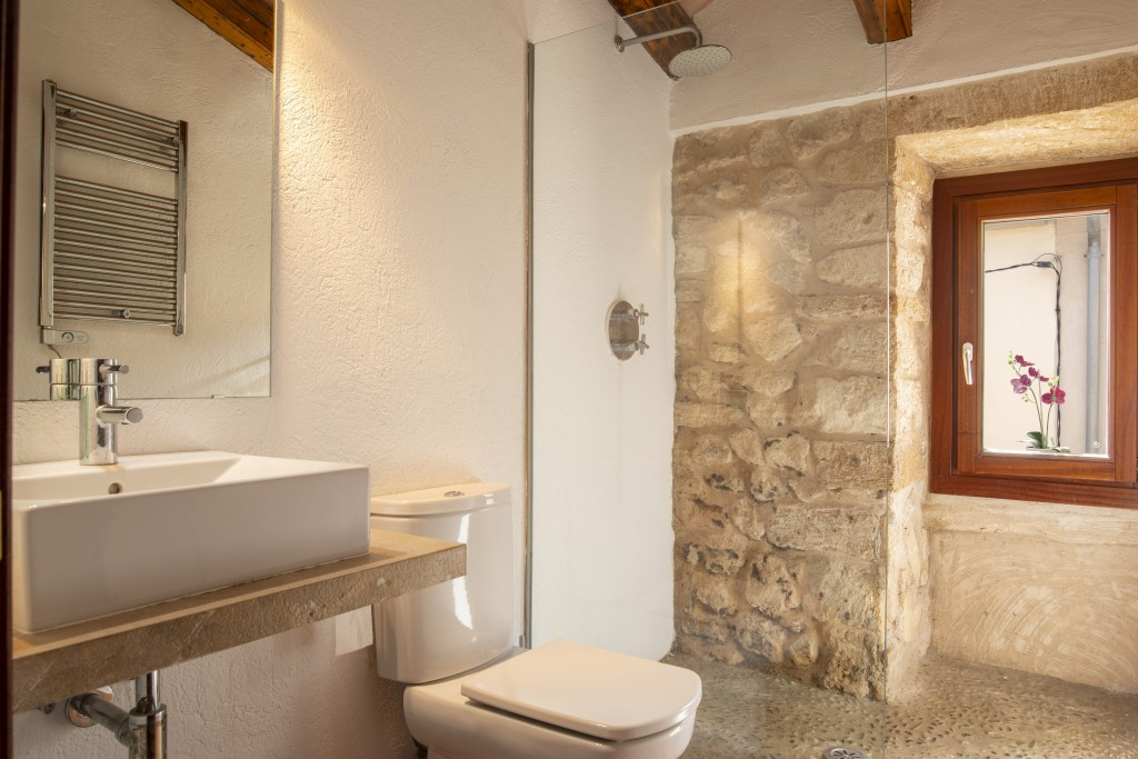 Pollensa bathroom