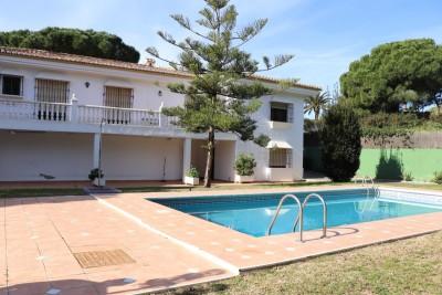 781243 - Villa For sale in Elviria Alta, Marbella, Málaga, Spain